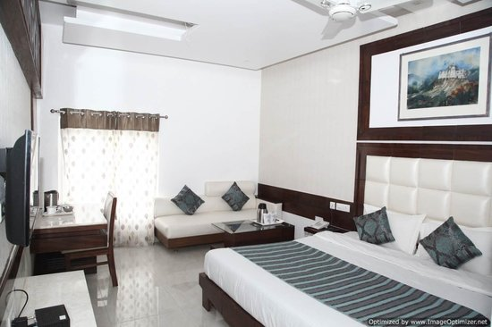 Hotel Emerald Chandigarh