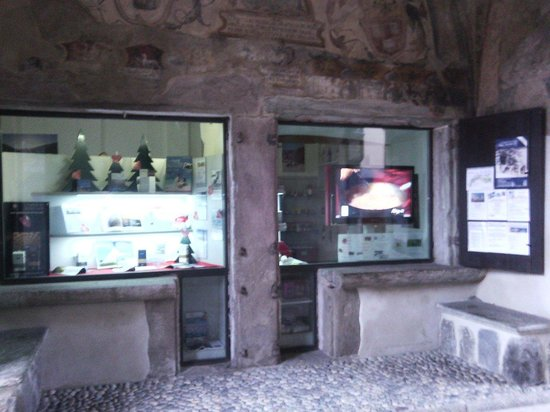 "Visit Valtellina - Day Tours: Le vetrine dell""agenzia"
