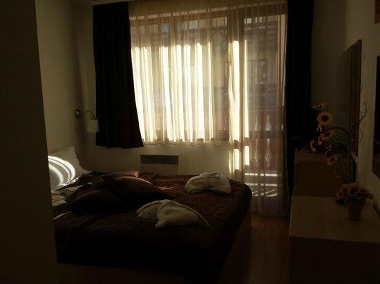 Pirin River Ski & Spa : спальня с балконом