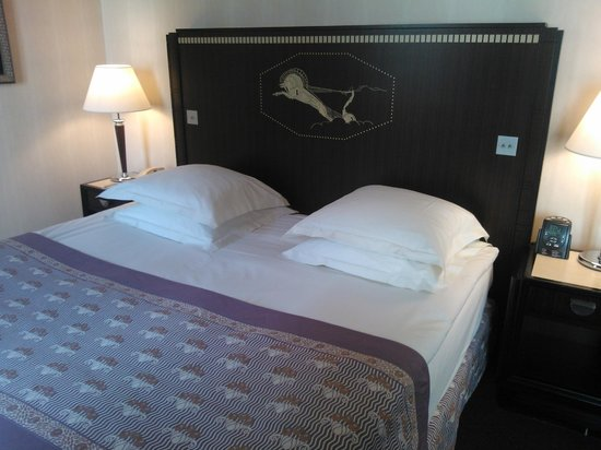 Hotel du Collectionneur : My bed :)