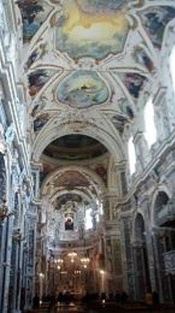 Chiesa del Gesu : interno