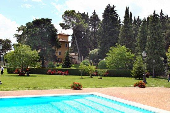 Il Castellaro Country House - La Villa e il suo giardino
