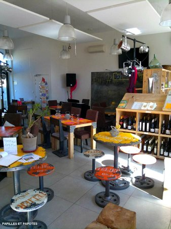 Couleurs Cafe: La salle qui fait aussi salle de concert