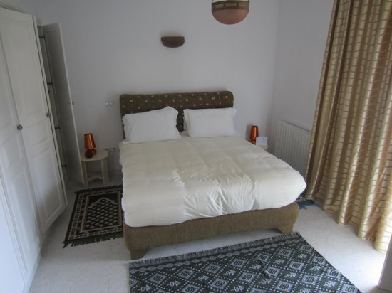 Villa Phoenicia: bedroom