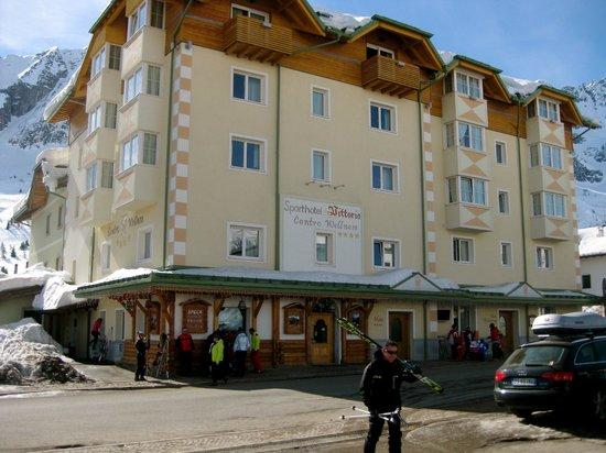 Sport Hotel Vittoria: hotel