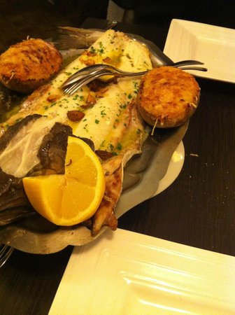 Udala : merlu à l'espagnole , pomme de terre gratinée