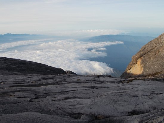 Mount Kinabalu : Morning view from the top