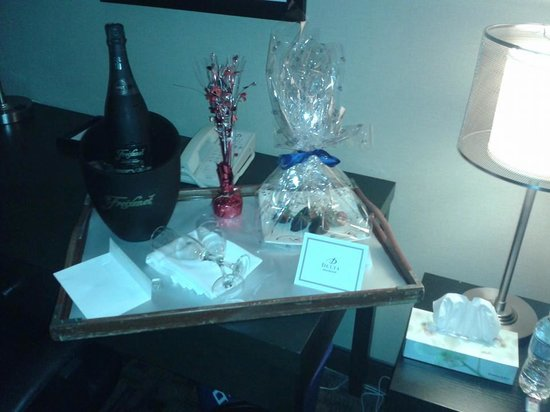 Delta Beausejour Hotel: Our goodies comliments of the hotel <3