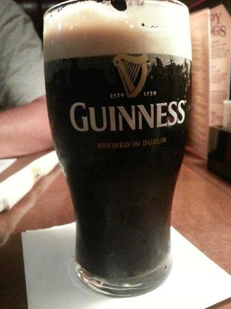 Meg O'Malley's Restaurant & Irish Pub: Guinness Beer