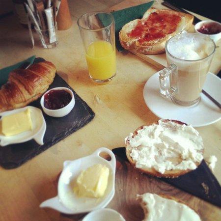 Broughton Village Bakery & Cafe: Breakfast of kings!