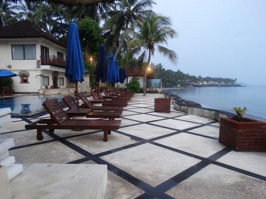 Royal Candidasa: Royal Bali Beach Club: Sunbeds
