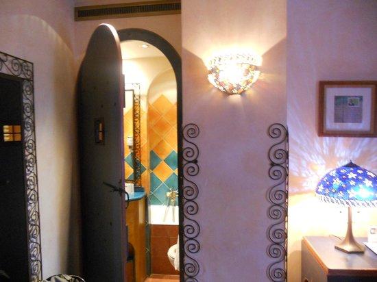 Villa Royale Montsouris : Room 108 bathroom