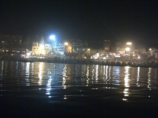 WelcomHeritage Jukaso Ganges: Night time Ganga Ghat view