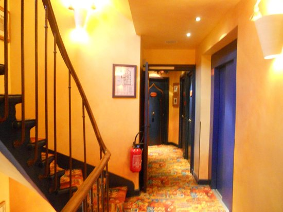 Villa Royale Montsouris : Room corridor