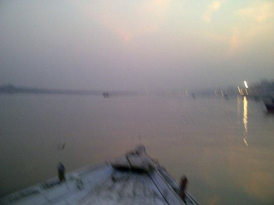 WelcomHeritage Jukaso Ganges: Morning Ganga View
