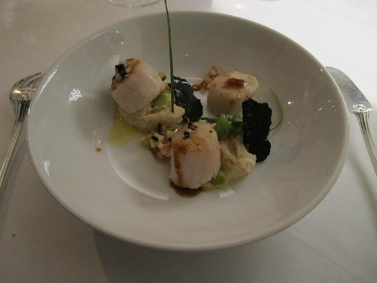 Manoir de la Roseraie : Scallops with truffles
