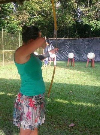 Tropical Manaus Ecoresort : Atividade de arco e flexa