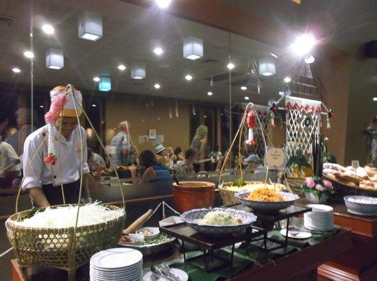 Siam Niramit Phuket: Delicious buffet