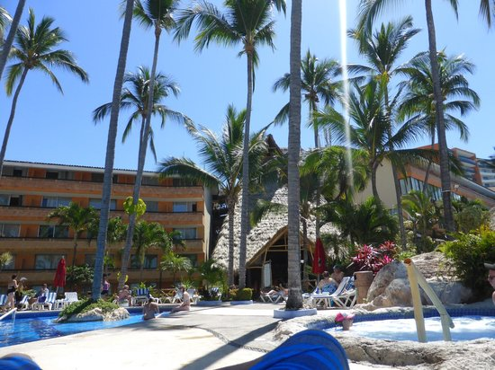 Las Palmas by the Sea: view from pool area