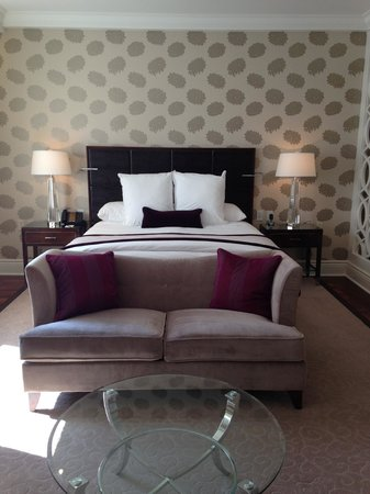 The Ritz-Carlton, Montreal : Sitting area was a wonderful and comfortable touch