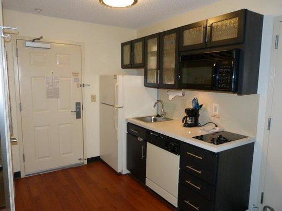Candlewood Suites Nashville Brentwood : Kitchen