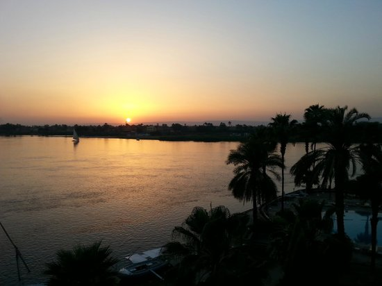 ACHTI Resort Luxor: Sunset from the balcony.