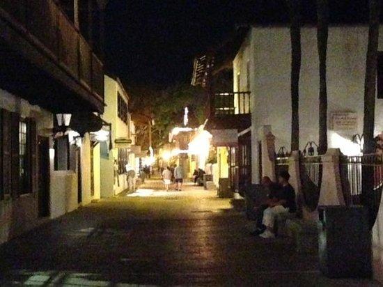 St. George Street : StGeorge, Sunday night