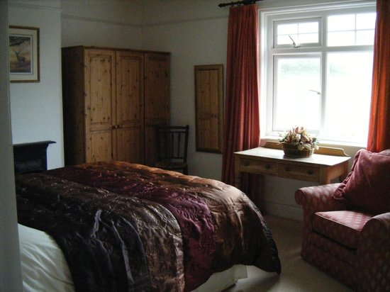 Coombe Cottage B&B: family room 1