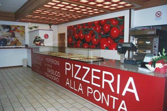 San Giovanni Lupatoto, Italia: Pizzeria al taglio Alla Ponta aperta dalle 17:30 alle 21:00 - tel 045 4936163