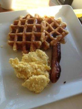Scott's Bar & Restaurant: Waffles, eggs and sausage.