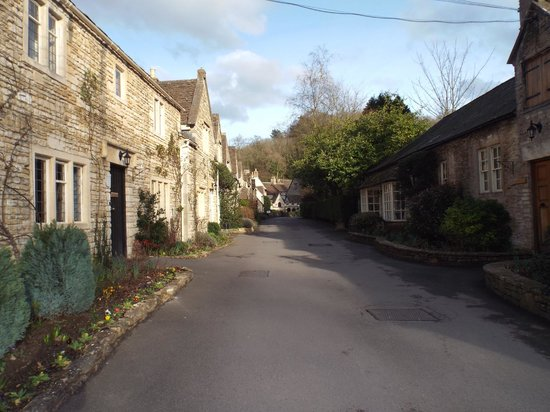 The Manor House Hotel and Golf Club: Cottages (Castle Combe village a 1 min walk away)