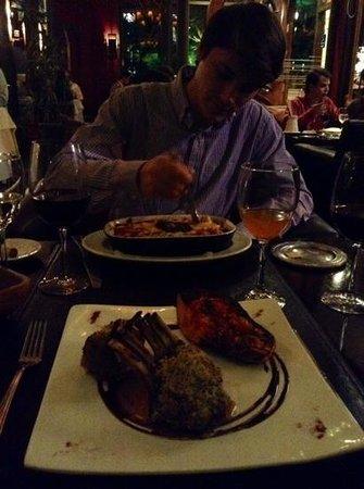 Panini's: lasagna y cordero