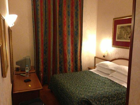 Serena Hotel : Camera semplice