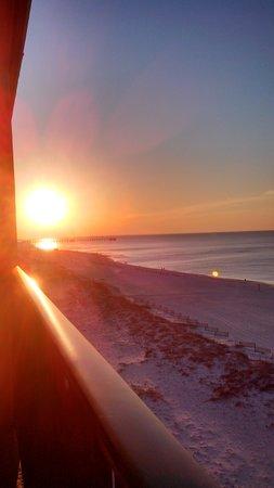 Phoenix All Suites Hotel: sunrise