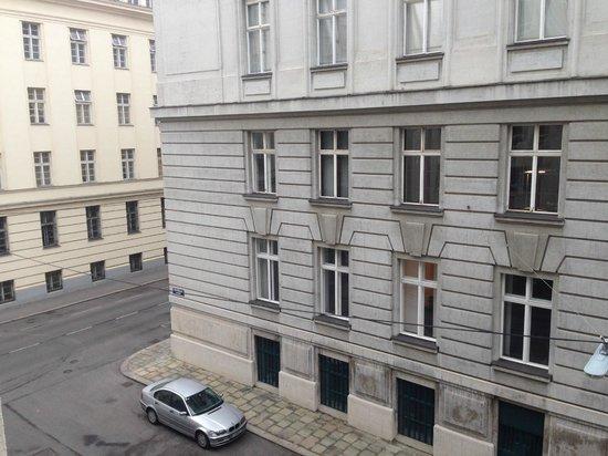 Hotel Am Konzerthaus Vienna MGallery by Sofitel: Quiet street
