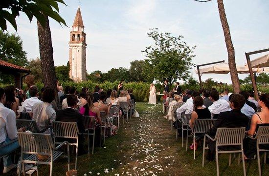 Matrimonio In Vigna Piemonte : Matrimonio in giardino picture of venissa vigna murata