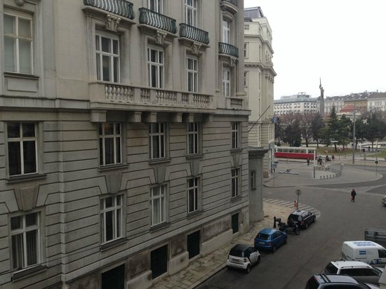 Hotel Am Konzerthaus Vienna MGallery by Sofitel : View to the square