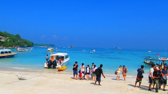 Fairmont Sanur Beach Bali: スピードボートで30分のレンボンガン島