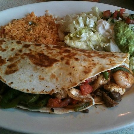 El Patio Mexican Restaurant: Grande Shrimp Fajita Quesadilla