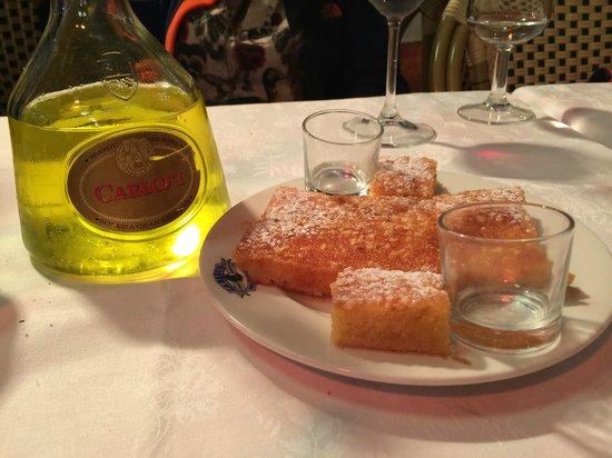 Restaurante Salamanca: YEMEK SONRASI TATLI LIKOR