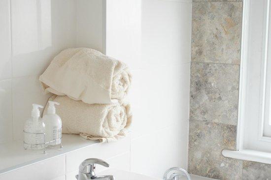 The Beach Hotel: towels in a bathroom