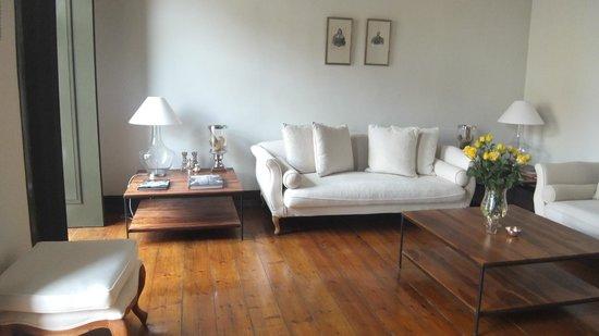 Palacio Ramalhete: One of the lounge areas