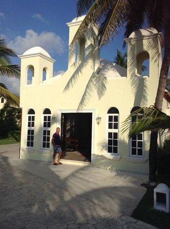El Dorado Royale, a Spa Resort by Karisma: the wee chapel in gardens
