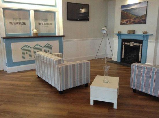 The Beach Hotel: tv room