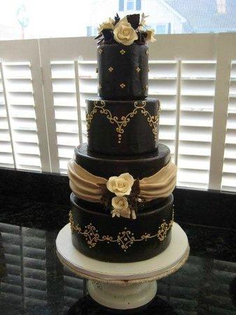 Aunty Ellen's Creative Confections: An absolutely elegant wedding cake