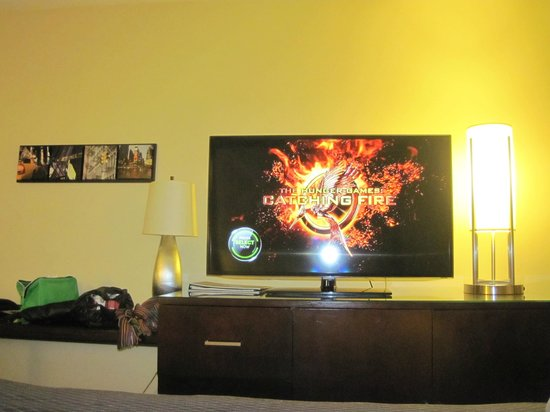 Crowne Plaza Times Square Manhattan: Grote LED-smart TV
