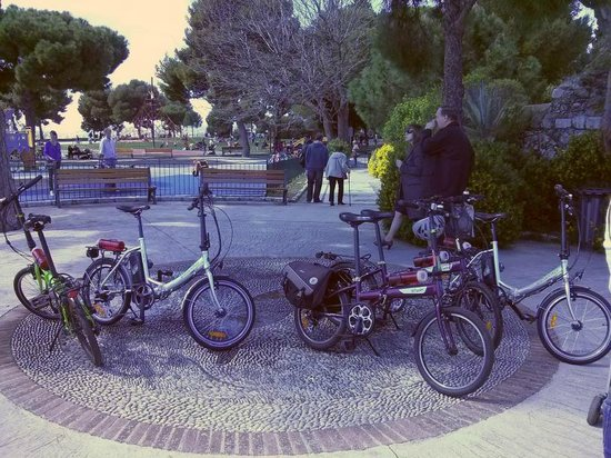 Nice Cycle Tours : Bikes parked up whilst we take in the views