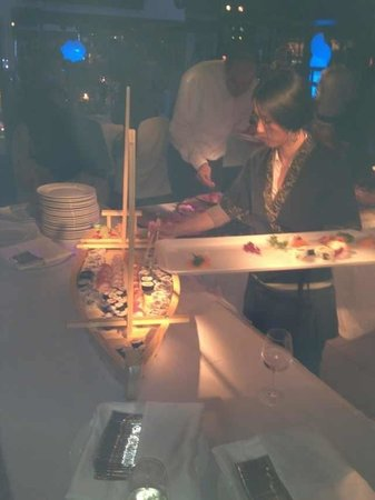 Sushi Cueva : La Barca 300pz
