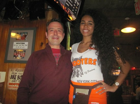 Hooters of Manhattan: Victoria..... and me