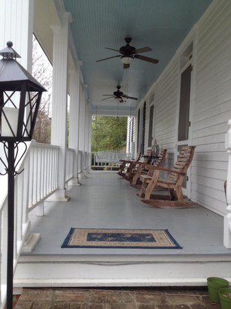 Claiborne House Bed and Breakfast: Private porch off Browning Room
